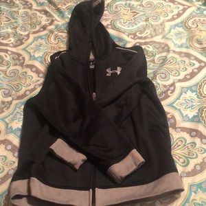 Boys/girls Under Armour zip up hoodie size large.